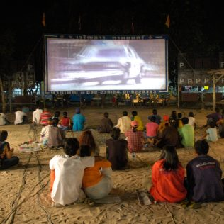 Los Angeles: An Outdoor Movie Town