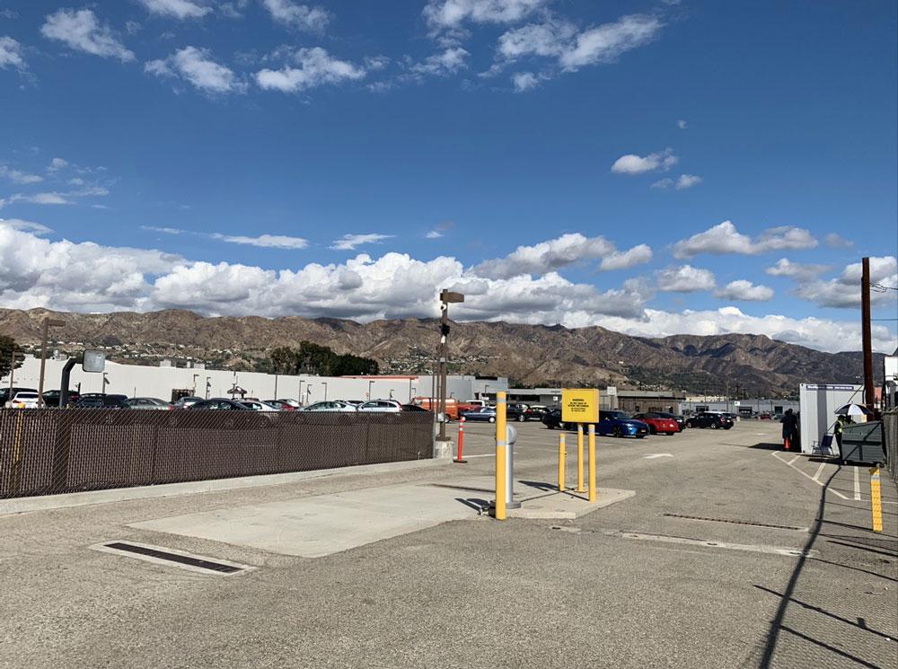 Avon Studio Parking - Burbank Airport Lot B - 2