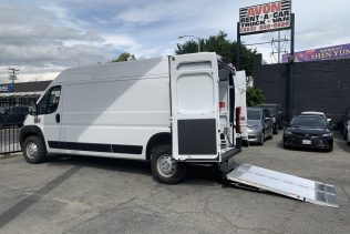 Tall Cargo Van w/ Liftgate